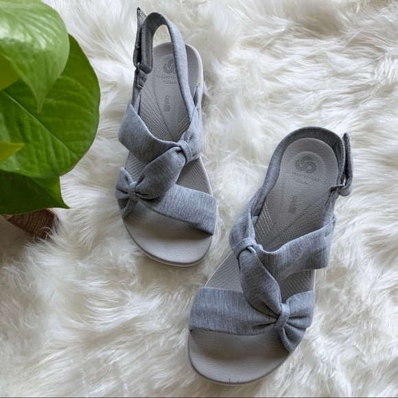 Cloudsteppers Gray White Sandal Size 7